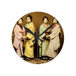 Retrato do vintage quatro da gueixa Japão velho Relógio Redondo