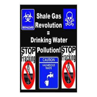 Revolução do gás do xisto = poluição de água flyer 13.97 x 21.59cm