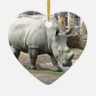Rhinos brancos do norte pstos em perigo ornamento de cerâmica coração