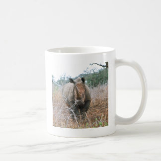 Rinoceronte de carregamento caneca de café