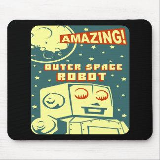 Robô de espaço surpreendente mousepad
