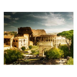 Roma eterno em virtude do cartão de Colosseum