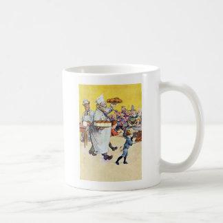 Roosevelt carrega a padaria amanteigada caneca de café