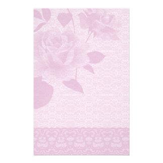 Rosa do rosa e artigos de papelaria de papel de la papel de carta