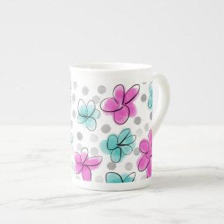 Rosa e esboço das bolinhas da flor da aguarela da xícara de chá