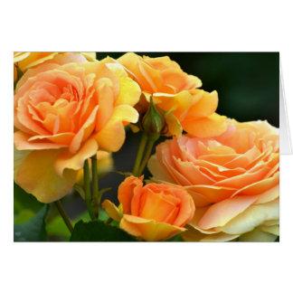 Rosa romântico do pêssego floral cartão comemorativo