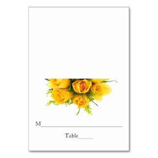 Rosas amarelos no branco - cartão da escolta da