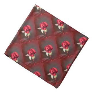 Rosebud carmesim vermelho do buquê faixas para cabeça