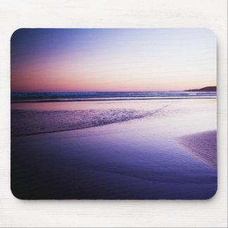 Roxo profundo da paisagem do por do sol mouse pads
