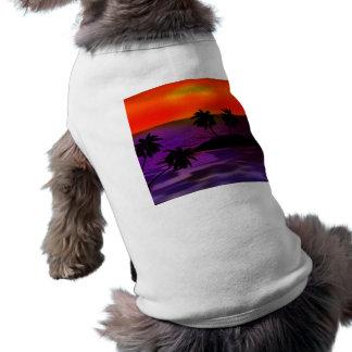 ROXO VERMELHO das PALMEIRAS TROPICAIS da NOITE Camiseta