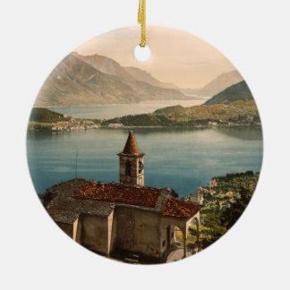 Rua Angelo de Capello, lago Como, Lombardy, Italia Ornamento De Cerâmica Redondo