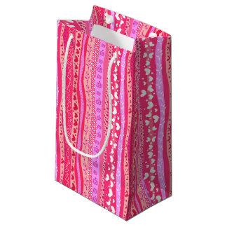Saco cor-de-rosa do presente do coração do dia dos sacola para presentes pequena