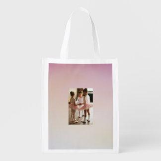 saco pequeno cor-de-rosa do reciclagem da sacola ecológica