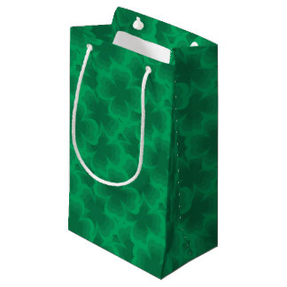Sacola Para Presentes Pequena Trevos irlandeses do primavera do trevo afortunado