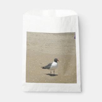 Sacolinha Gaivota de mar na praia