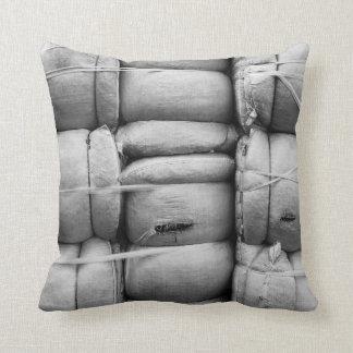 Sacos preto e branco da textura abstrata travesseiro de decoração