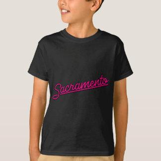Sacramento na magenta camisetas