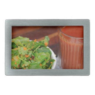 Salada de agrião do molho do tomate da cenoura do