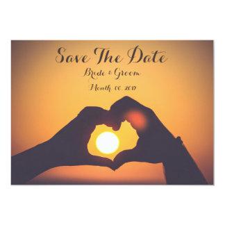 Salvar o cartão de data, as mãos do amante, por do convite 12.7 x 17.78cm