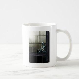 scifi ciente do robô do auto caneca de café