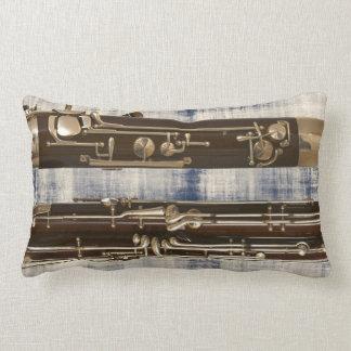 Seções do fagote no olhar desvanecido da sarja de travesseiros