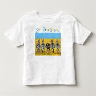 Seja diferente camiseta infantil