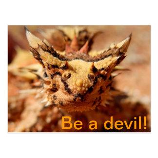 Seja um diabo! Cartão espinhoso do diabo Cartões Postais