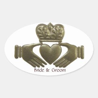 Selos ovais do casamento do ouro de Claddagh do Adesivo Oval