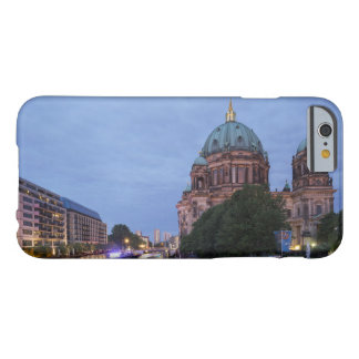 Série e catedral do rio em Berlim, Alemanha Capa Barely There Para iPhone 6