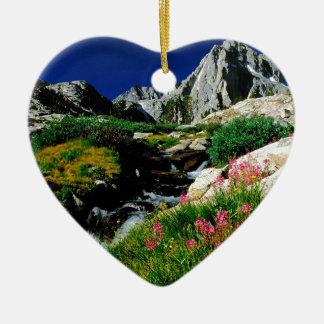 Serra máxima Nevada Califórnia do parque Ornamento De Cerâmica Coração