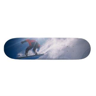 Shape De Skate 20,6cm Equipe o salto fora de um grande cornince em um