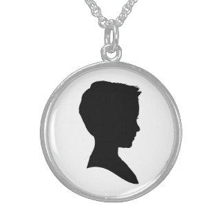 Silhueta clássica do menino colar de prata esterlina