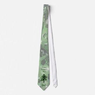 Silhueta verde da árvore do dia dos pais gravata