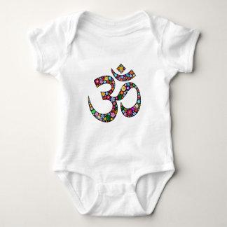 Símbolo da ioga do OM Aum Namaste Tshirts
