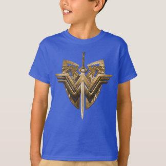 Símbolo da mulher maravilha com a espada de camiseta