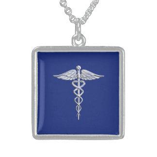 Símbolo médico do Caduceus do estilo do cromo em Colar Com Pendente Quadrado