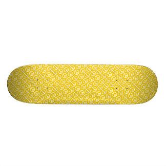 Sinais de paz no amarelo ensolarado shape de skate 19,7cm