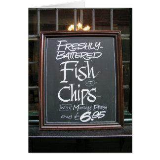 Sinal do peixe com batatas fritas cartão