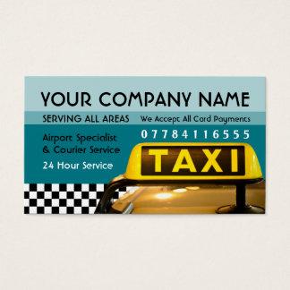Sinal do táxi de táxi com tabelas de preços do cartão de visita