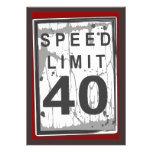 Sinal sujo do limite de velocidade do partido de a convites personalizados