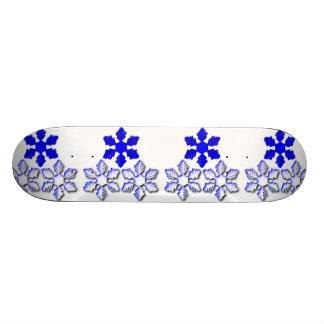Skate azul e branco dos flocos de neve