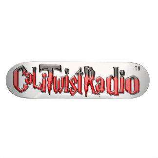 Skate do vermelho de CaLiTwistRadio