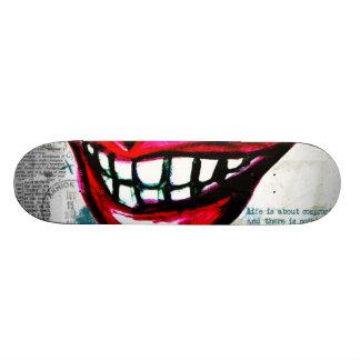 Skate dos lábios do Grunge