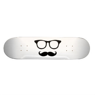 Skate Homem Nerdy do bigode