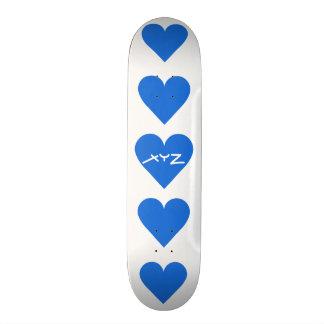 Skates azuis do costume dos namorados do coração