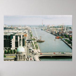 Skyline Ireland de Dublin, rio Liffey, IFSC Poster