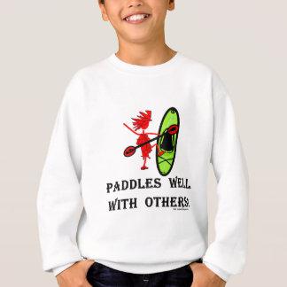 Slalom da canoa - pás bem com outro tshirts