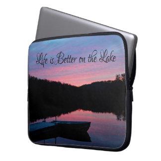 """Sleeve Para Laptop A """"vida é melhor a bolsa de laptop no lago"""""""