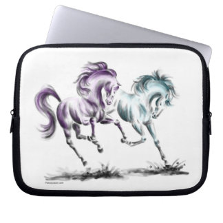 Sleeve Para Laptop Frolicking competindo cavalos selvagens