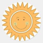Smiley alaranjado Sun feliz Adesivos Em Formato Redondos